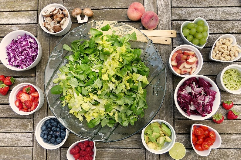 What is a raw food diet?